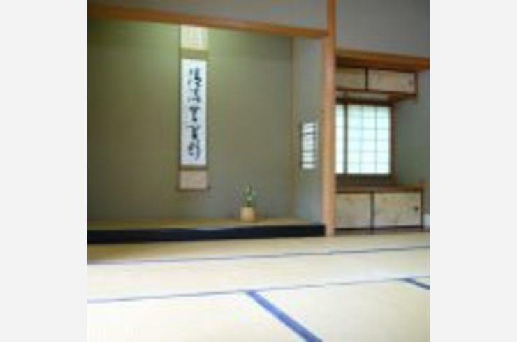 和室の壁紙はどうやって選べばいいの 和室に合うモダンな壁紙の選び方 内装工事の基礎知識 横浜 川崎でクロス張替えをお考えならクロス リフォーム壱番館がおすすめです